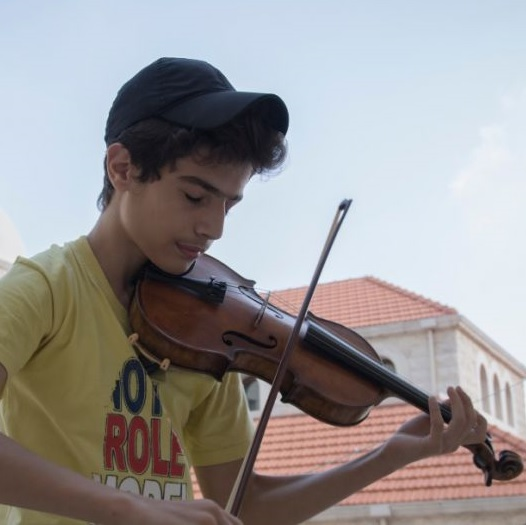 New film to tell story of Syrian boy given violin by Oxford