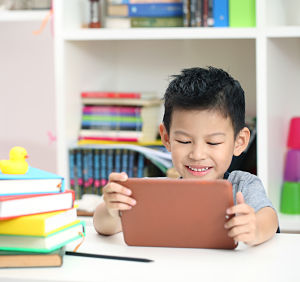 Children's screen-time guidelines too restrictive, according to new research