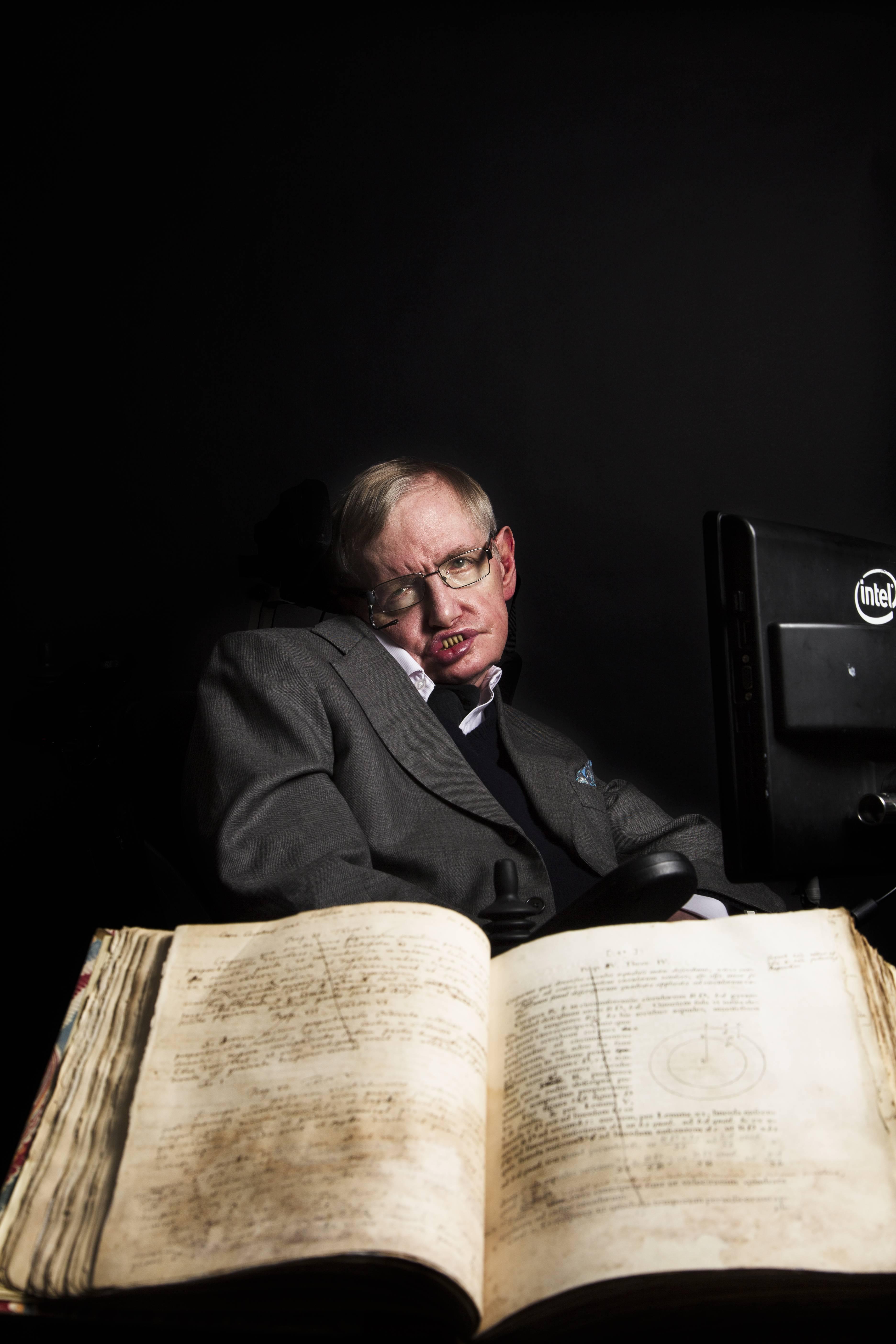 Professor Stephen Hawking returns to Oxford