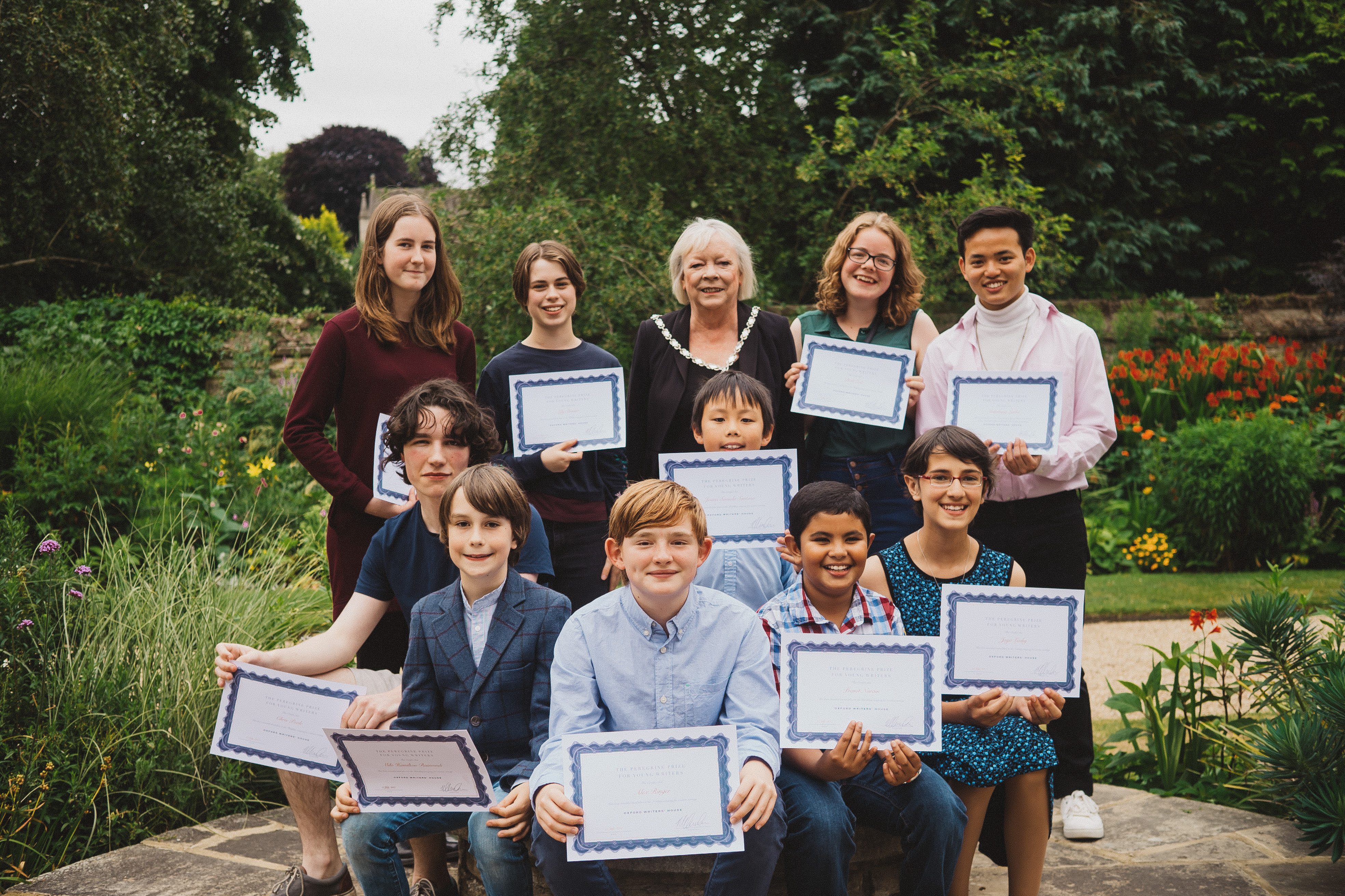 Students fire young Oxfordshire imaginations