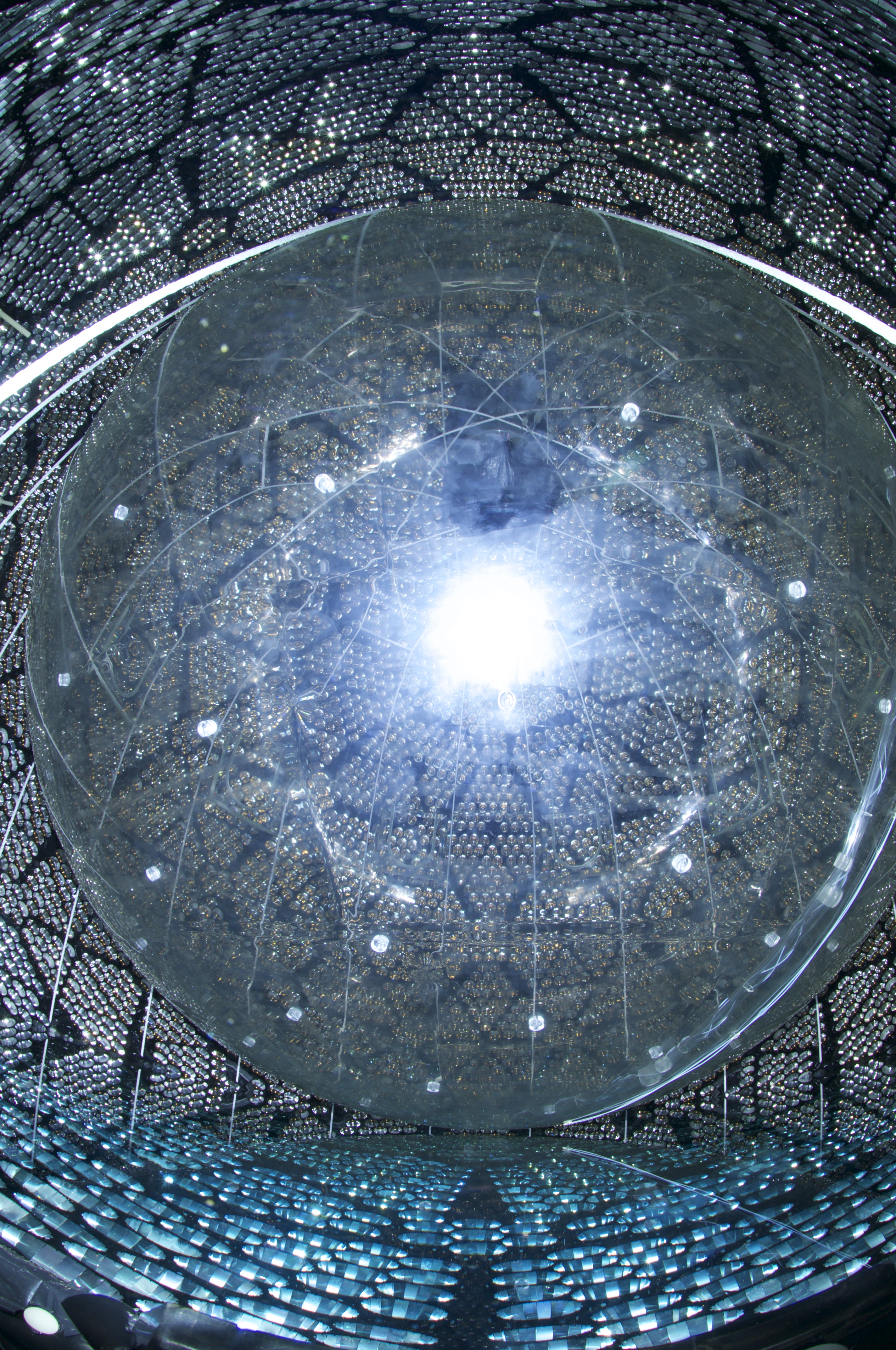 Oxford physicists share in Breakthrough Prize for seminal neutrino work