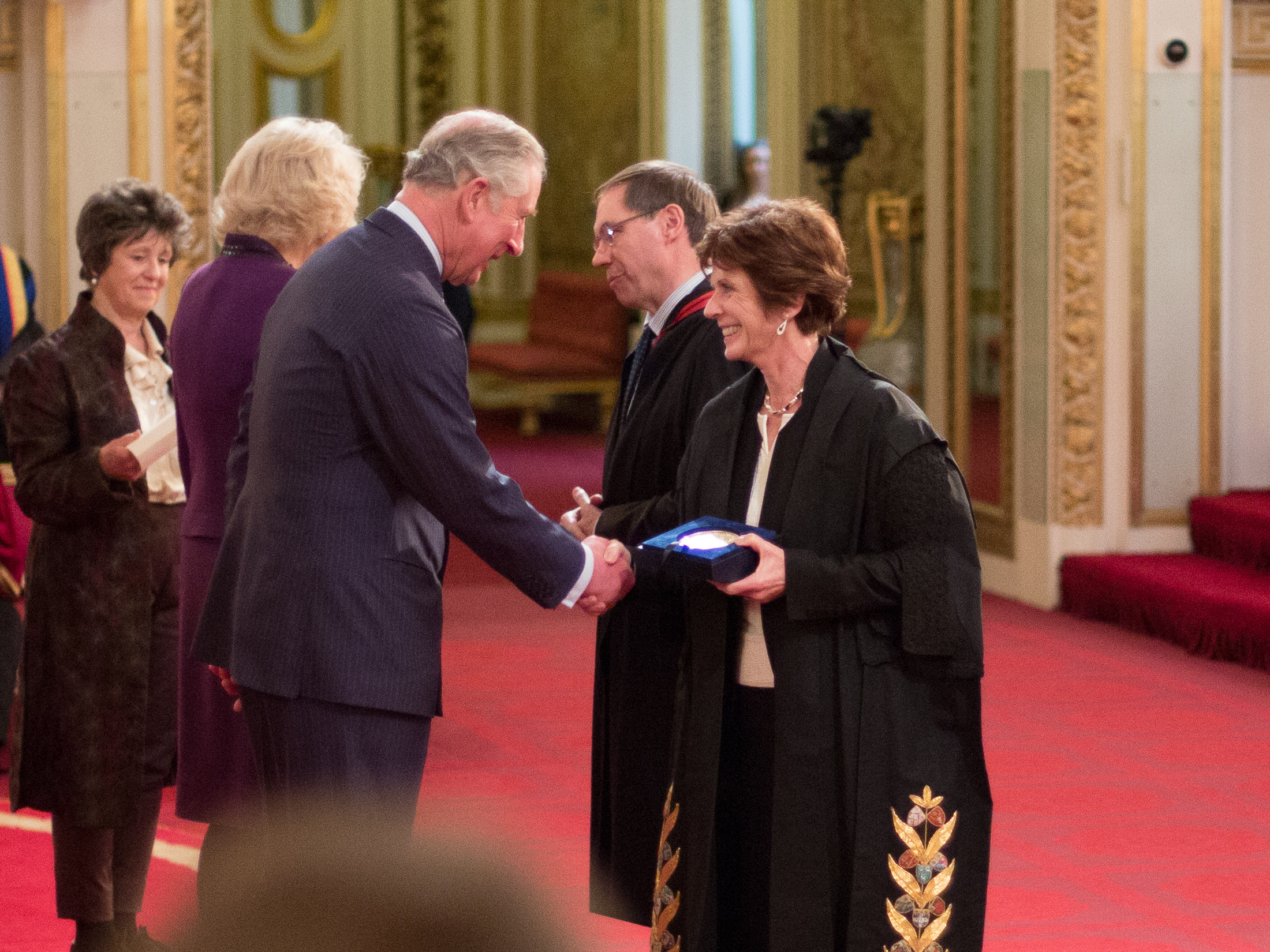 Oxford presented with Queen's Anniversary Prize at Buckingham Palace