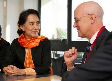 Aung San Suu Kyi and Andrew Hamilton