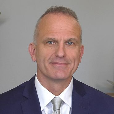 Professor Robert MacLaren