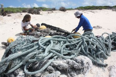 Ropes washed up on Aldabra's shores