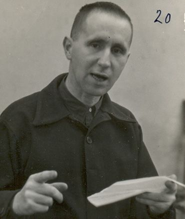 Writing Brecht