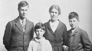 Violet Slater raised three sons in Park Town, Oxford, during World War I
