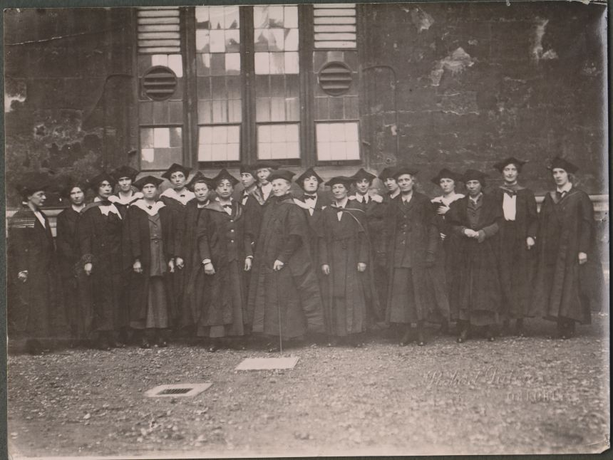 Picture of Mrs Johnson (centre), the first principal of St Anne's (then the Society of Oxford Home-Students) at the head of a group of principals and tutors on a special degree day for women (1920)