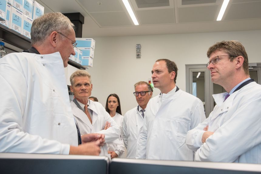 The Rt Hon Greg Clark MP, Business, Energy and Industrial Strategy Secretary, tours the New Novo Nordisk labs in Oxford University's Innovation Building.