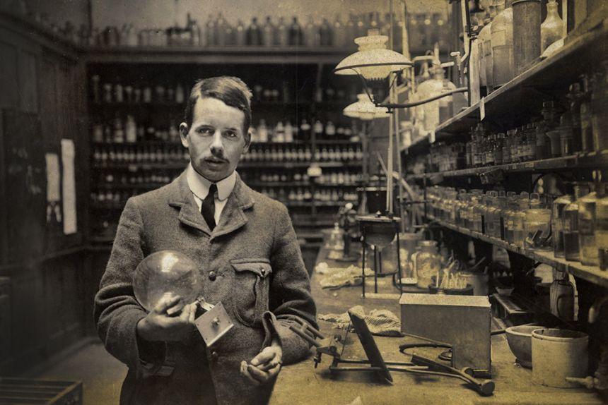 Henry Moseley in the Balliol-Trinity Laboratories, 1910