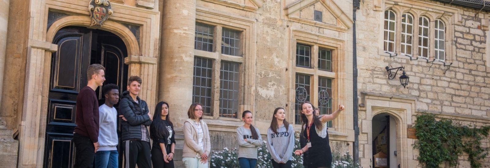 Student Ambassador showing prospective students around St Edmund Hall.