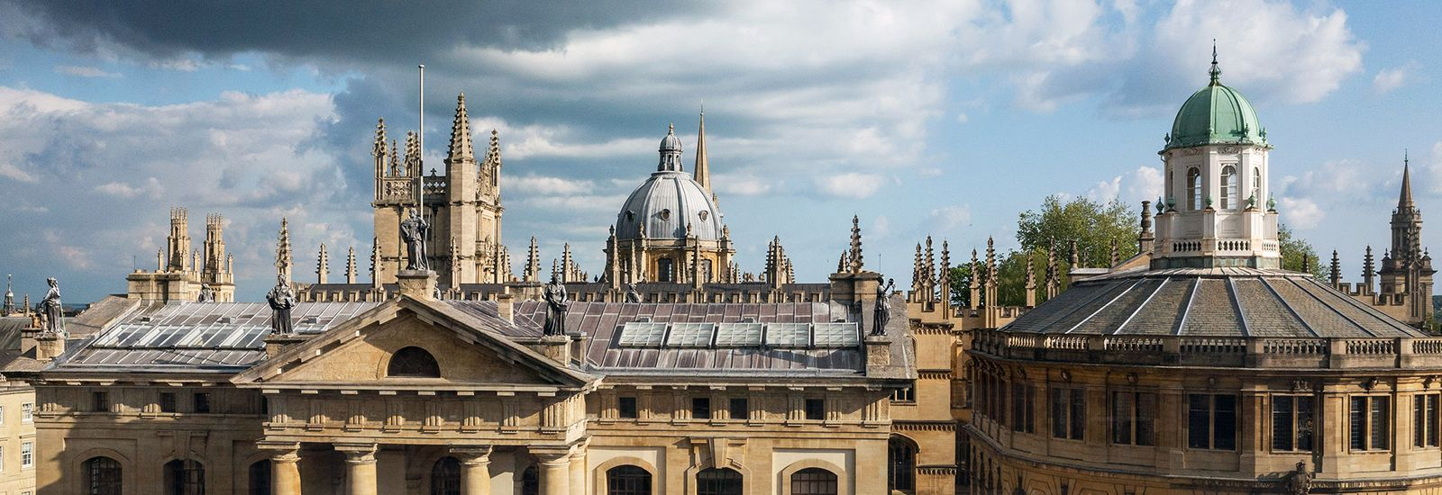 A photo of the Oxford skyline
