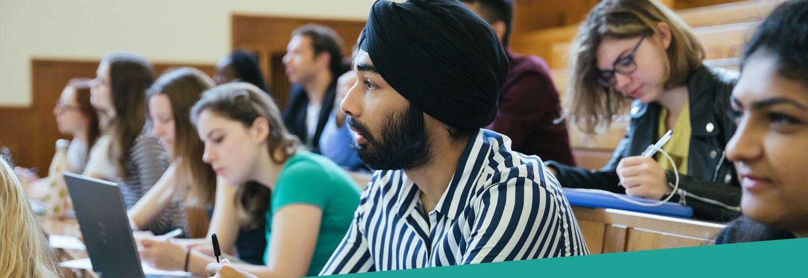Undergrad students in lecture