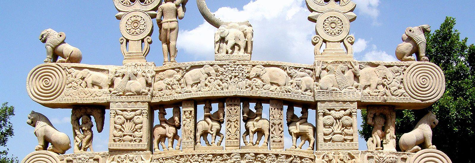 Rock statues at the Great Stupa at Sanchi