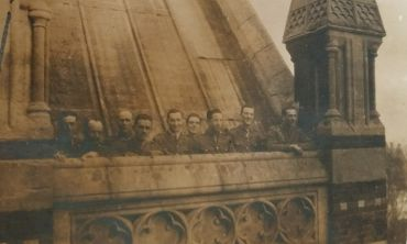 Cadets on the Chapel roof, Keble