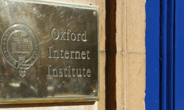 Plaque at the entrance to the Oxford Internet Institute