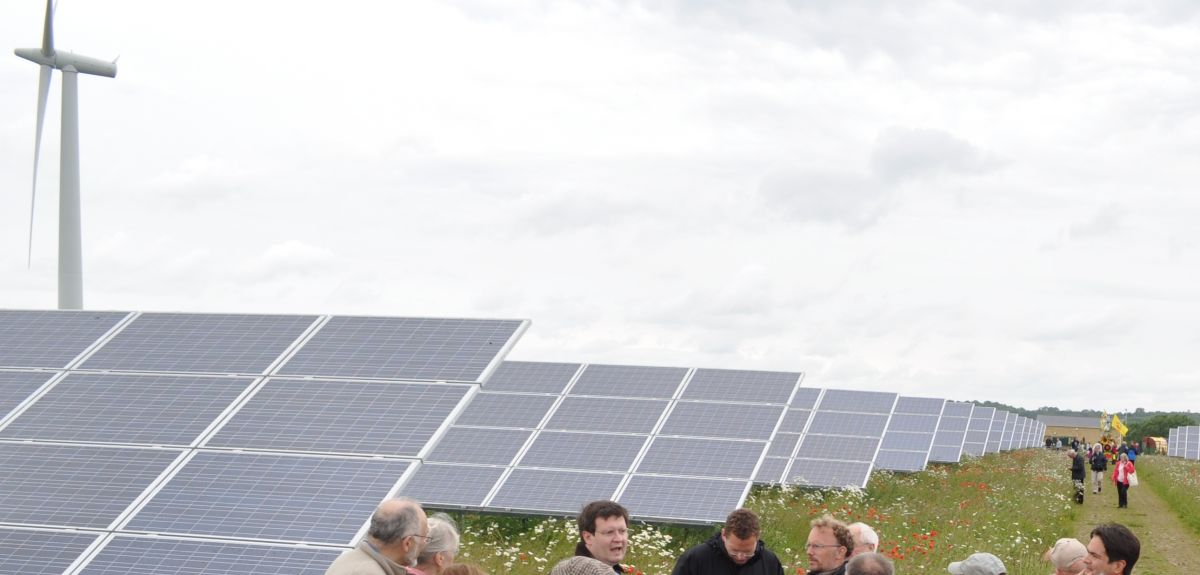 A wind and solar farm in Oxfordshire.