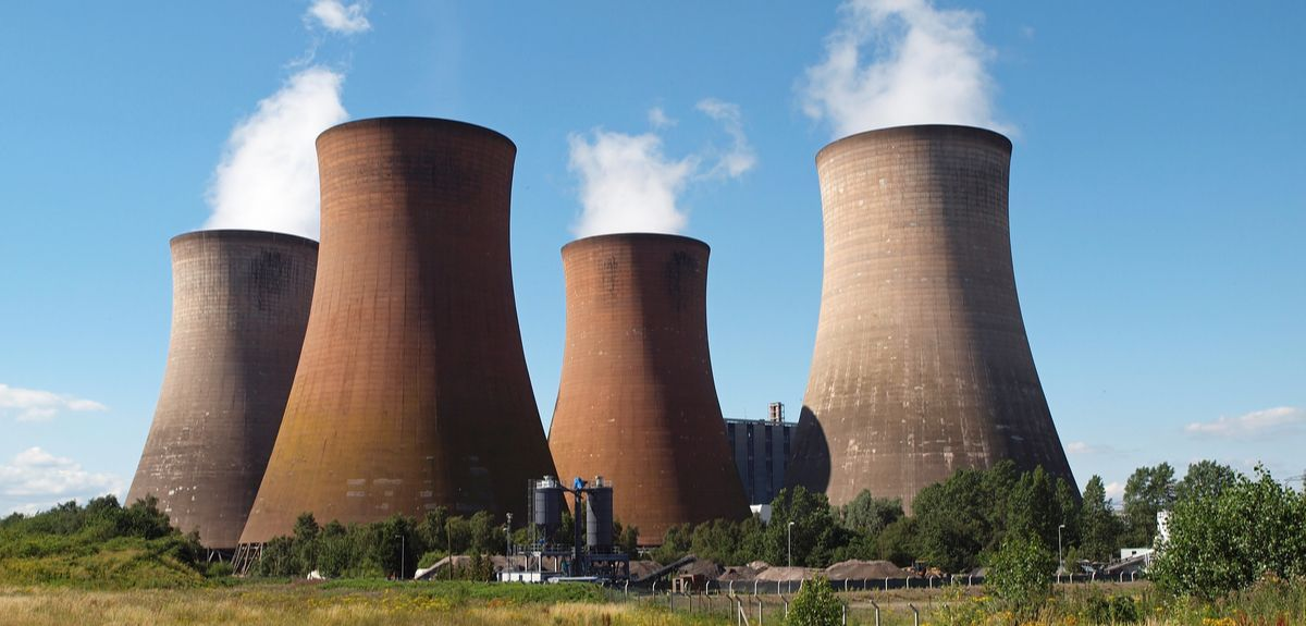 Coal-powered power station