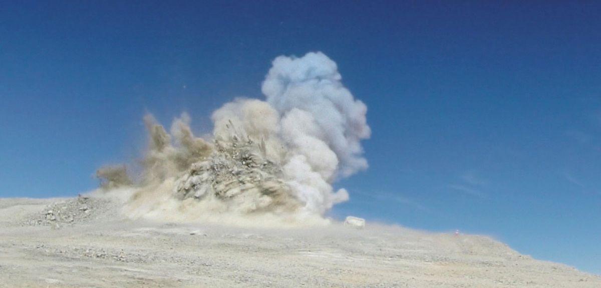Mountain blast makes way for E-ELT