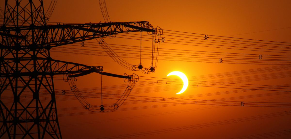 Eclipse to affect power grids