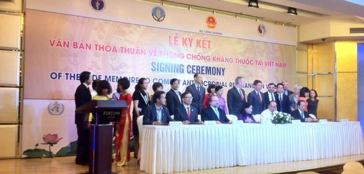 Vietnam AMR aide memoire signing
