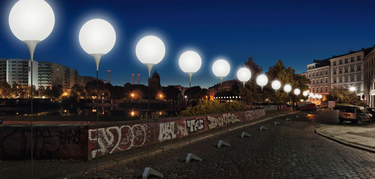 Illuminated balloons mark the former site of the Wall at Engelbecken in Berlin