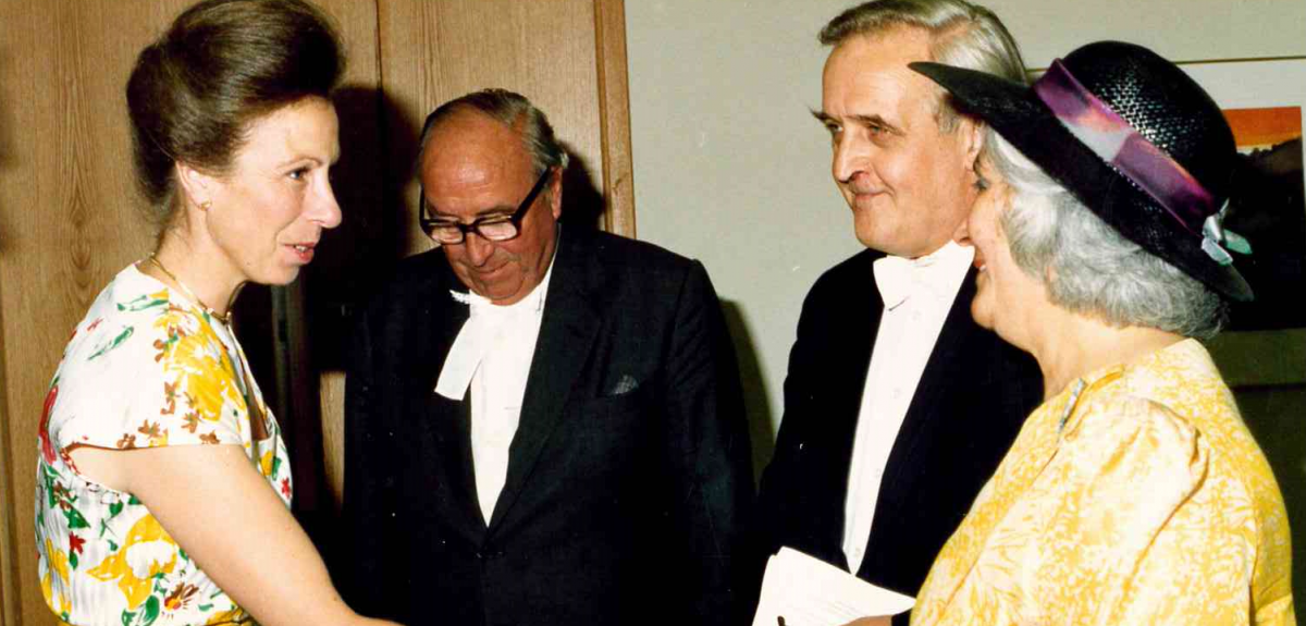 Prof Sir David Weatherall (2nd from the right) with H.R.H the Princess Royal at the official opening of the (then) Institute of Molecular Medicine
