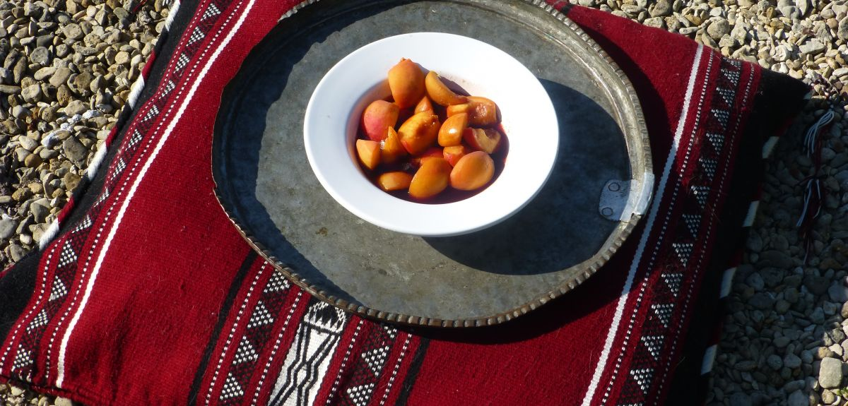 Peaches cooekd with honey, cumin and a drop of fish sauce was a typical Roman dish