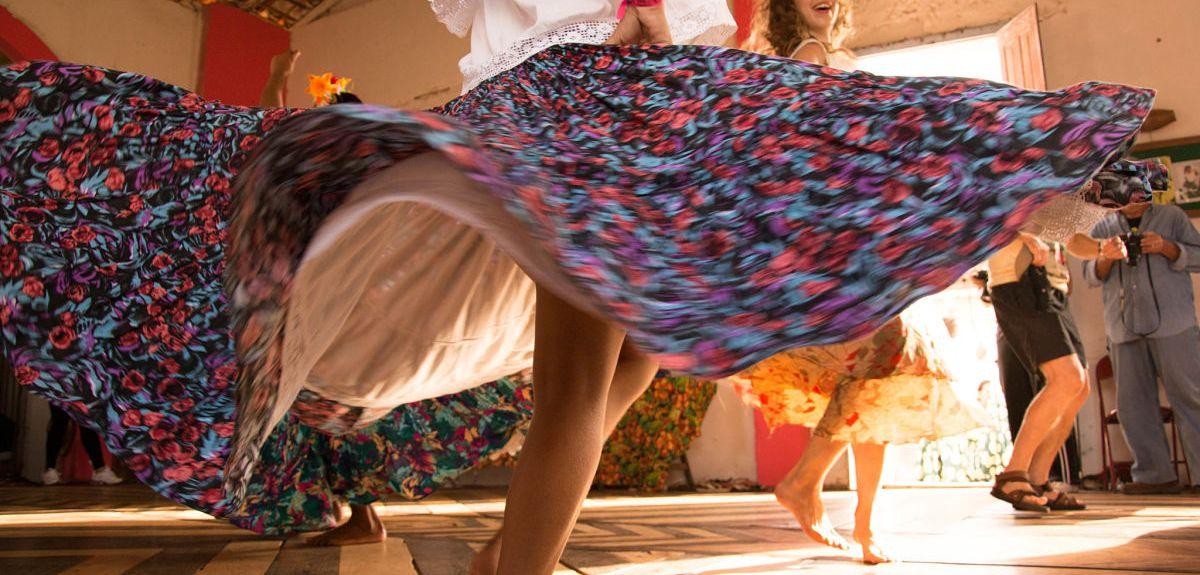 Carimbo dancers of Marajó teach Dr Bronwyn Tarr their traditional dance