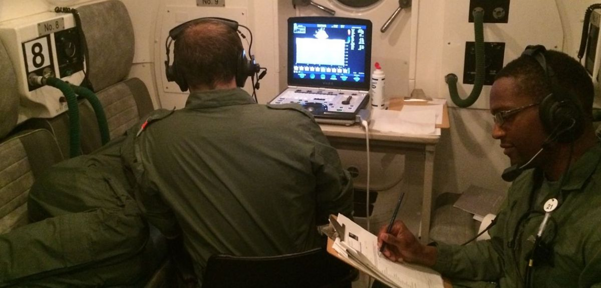 Monitoring a volunteer in the hypobaric chamber