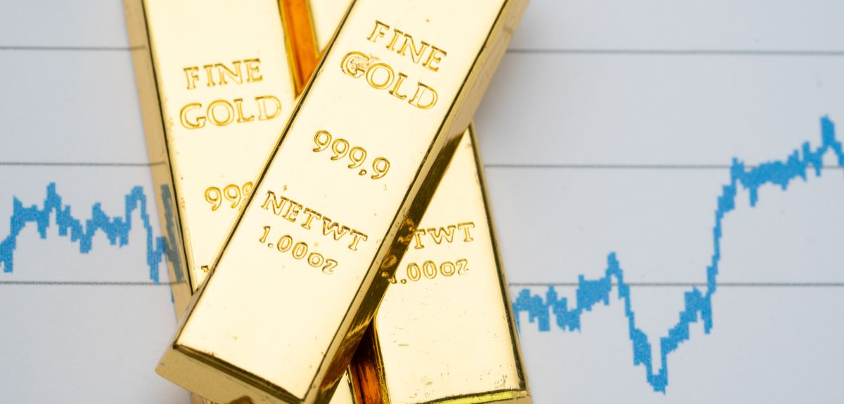 The price of gold has reached record highs as investors look for a safe bet on fear of the cost of COVID on economies