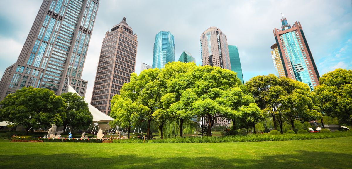 a wide-range of well‐designed NbS can deliver multiple benefits for people and nature. For example, coastal mangroves or coral reefs can protect from storm surges, urban green spaces help to cool cities, and improving soil health can help farmers adapt to