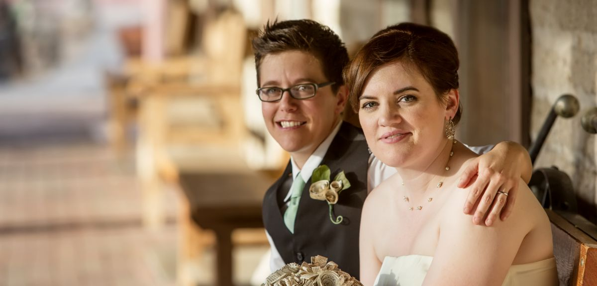 Women's same-sex marriages outnumbered those of men by 5 to 4, says the research.