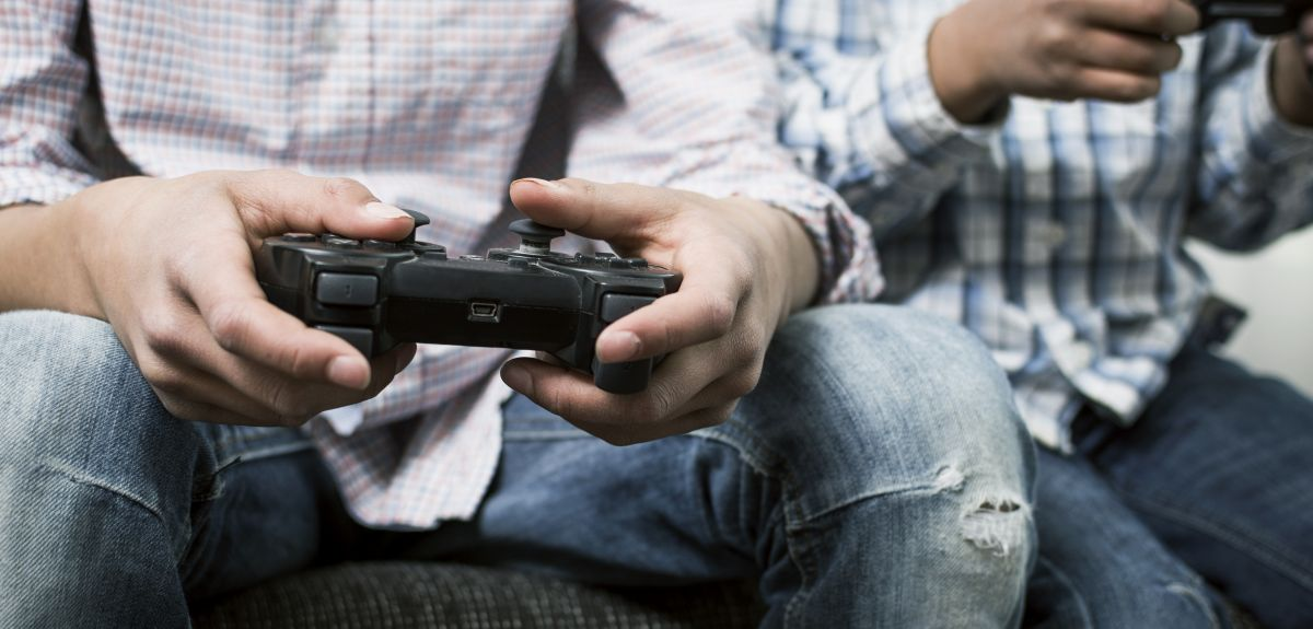 Study links time spent gaming with hyperactivity and lack of interest in schoolwork.