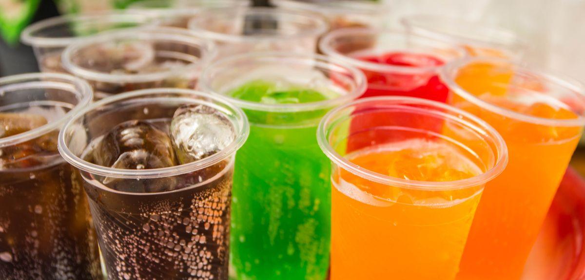 Photo   Tray of fizzy drinks