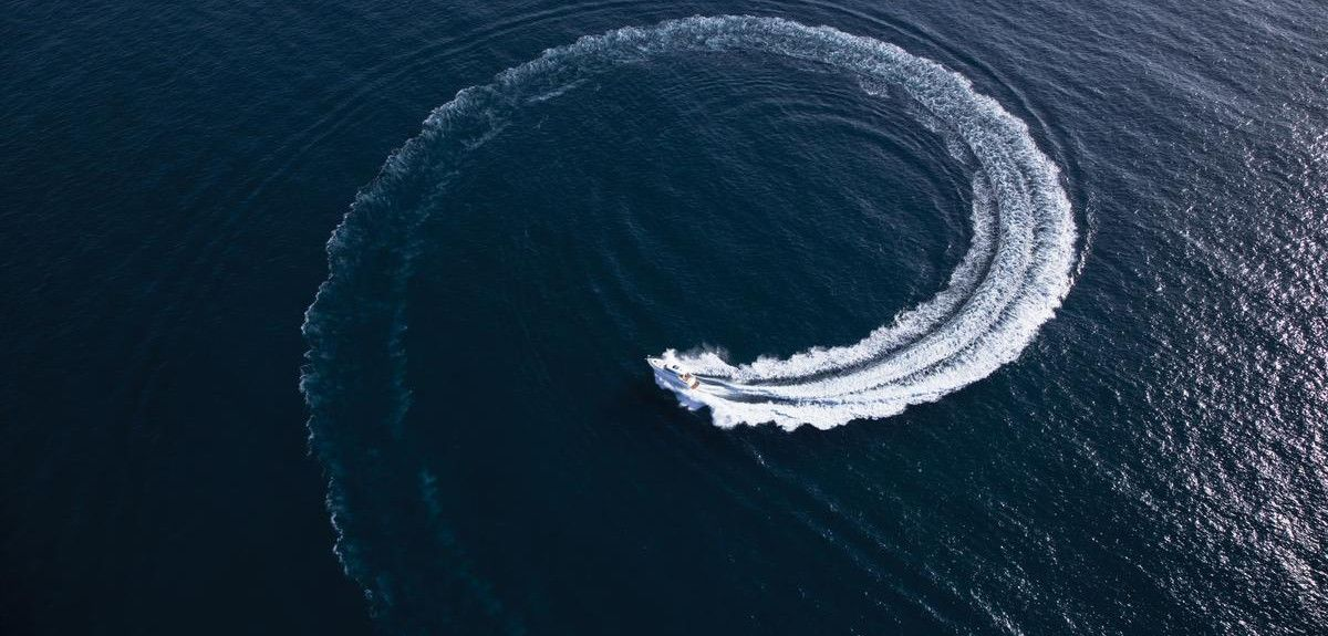 Boat speeding in circles
