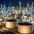 shutterstock_oil refinery_cro